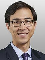Dustin Cho, Covington, technology industry lawyer, commercial litigation attorney