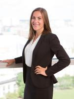 Danielle Snyder, Davis Kuelthau Law Firm, Milwaukee, Corporate Law and Real Estate Attorney