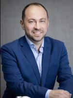 Steven R. Yuniver Commercial Litigation Attorney Sinayskaya Yuniver, P.C.